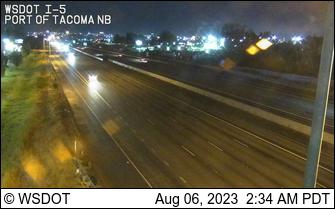 I-5 at MP 136.6: Port of Tacoma Rd