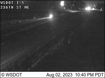 I-5 at MP 210.3: 236th St NE