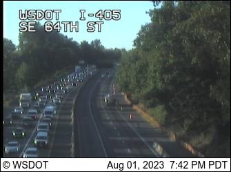 I-405 at MP 8.4: SE 64th St