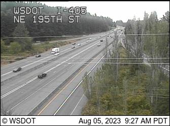I-405 at MP 24.5: NE 195th St