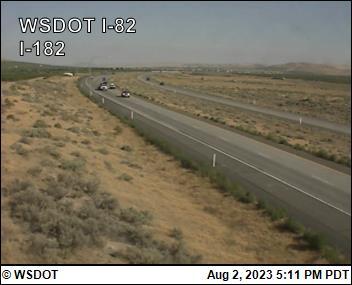 I-82 at MP 102.5: I-182 Interchange