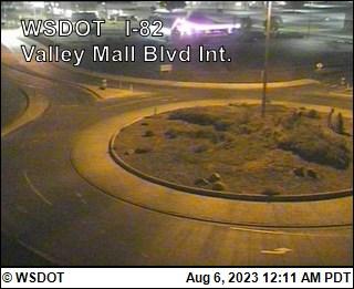 I-82 at MP 36.5: Valley Mall Blvd Interchange