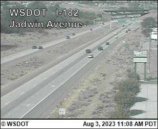 I-182 at MP 4.3: Jadwin Avenue
