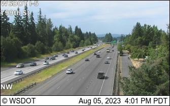 I-5 NB at MP 10.8: 199th St