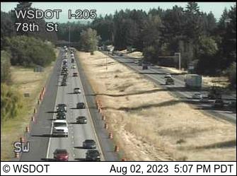 I-205 at MP 32.6: 78th St